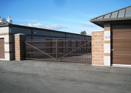 Tedford Commercial Entrance Gates